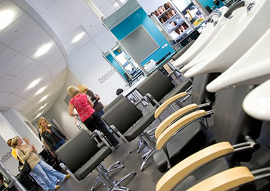 The salon at Macclesfield college. I'm lecturing to level 2 and level 3 students here!